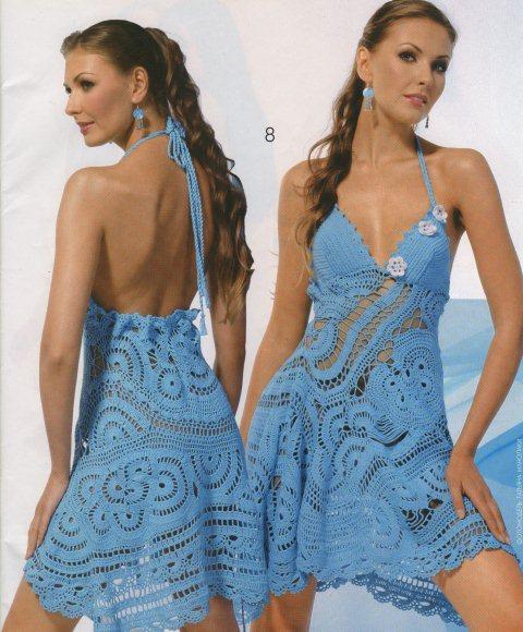 Вязаные платья и сарафаны крючком - это зачастую очень нарядные, ажурные и женственные модели